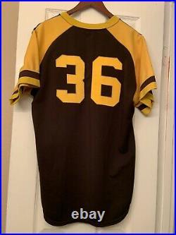 1977 San Diego Padres Jersey / Game Used Worn Butch Metzger