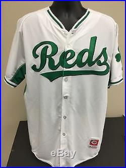 Aroldis Chapman 2015 Cincinnati Reds Game Worn Used Jersey MLB Authenticated