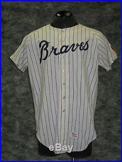 Atlanta Braves 1968 vintage Game Used, Home flannel jersey. Hank Aaron