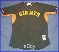 Madison Bumgarner #40 2015 Team Issued San Francisco Giants Jersey MLB Auth USED